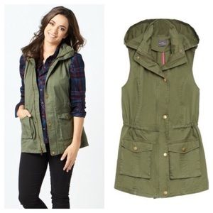 41 Hawthorn Olive Green Utility Hooded Vest